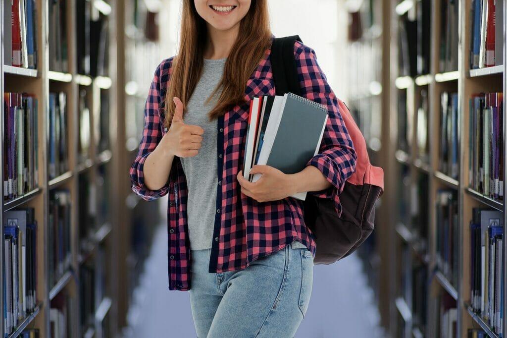 Student Books Library Study  - geralt / Pixabay